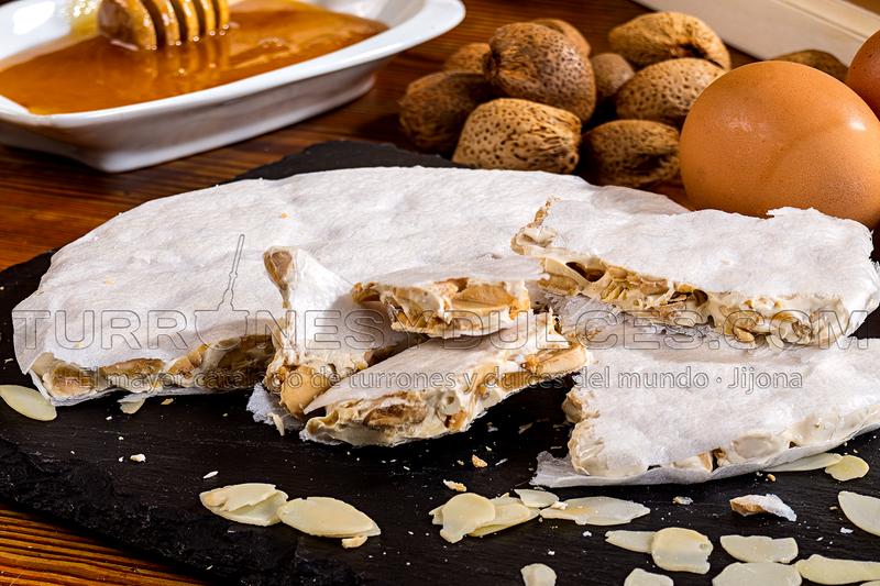 Torta turrón Alicante