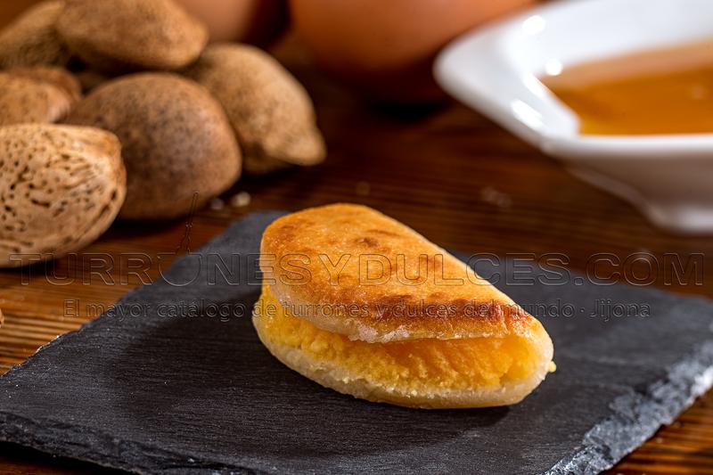 Empanadillas rellenas de Yema