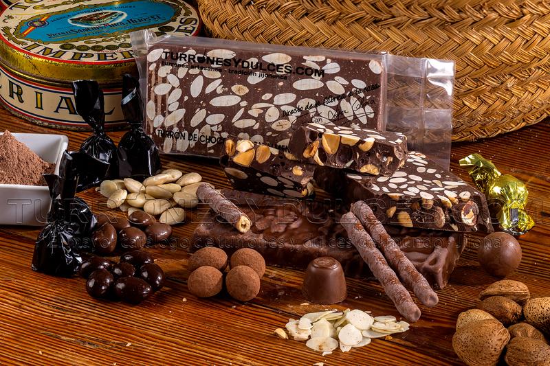 Turron Chocolate puro con almendras