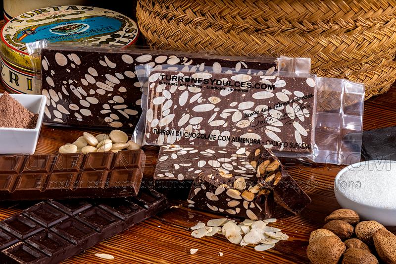 Turron Chocolate negro con almendras